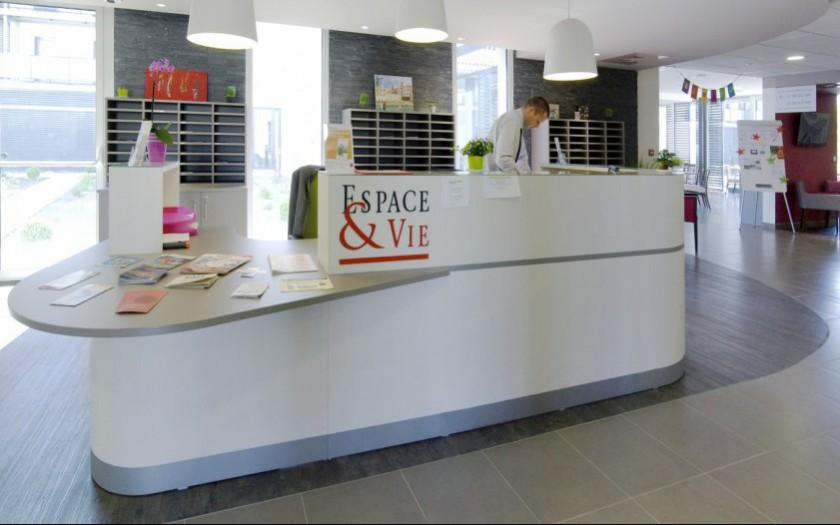 R sidence service seniors rennes 35 espace vie for Espace de vie construction