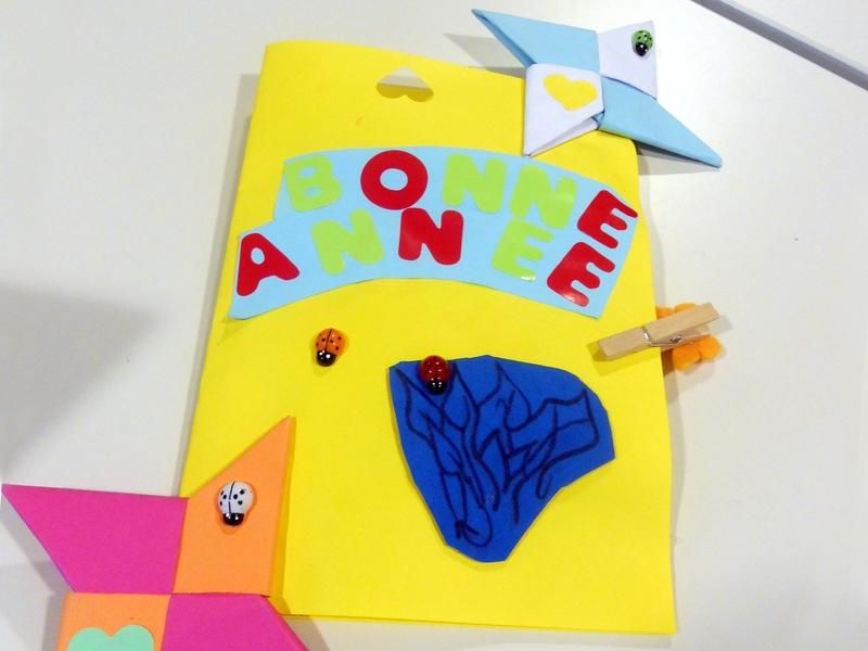 Les enfants ont confectionné des cartes de vœux avec beaucoup de talent et d'amour