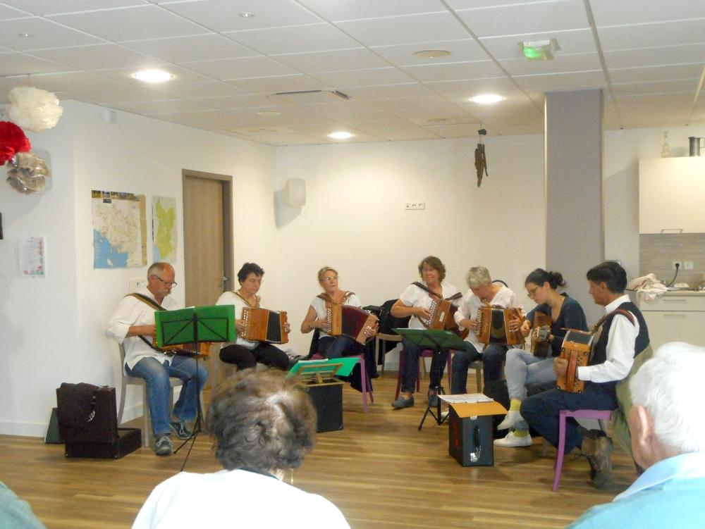Un «courant d'air» musical à la résidence Espace & Vie de Guidel.