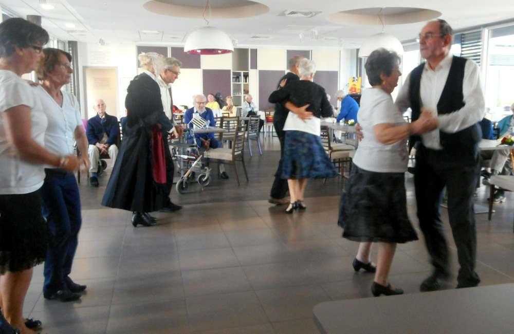 La danse bretonne à l'honneur aux Prairies de l'Ille