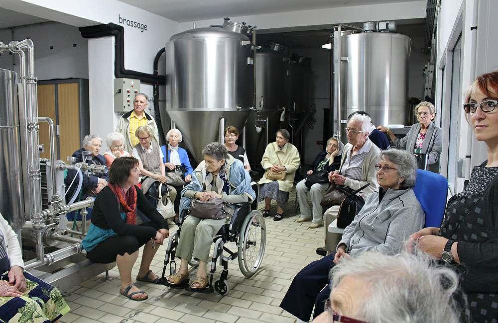 Les résidents d'Espace et Vie Niort redécouvrent le Marais Poitevin en petit train…