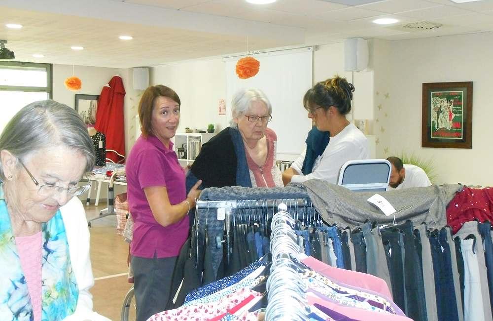 Succès pour l'expo-vente de vêtements au Petit Jardin