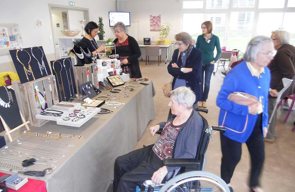 Espace & Vie Niort prépare les fêtes de Noël avec une expo-vente de Bijoux ZABOK