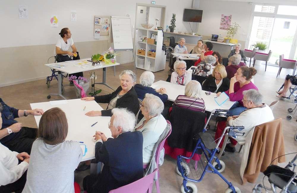 « Questions pour des champions Inter-établissements », les résidents d'Espace & Vie Niort remettent leur titre en jeu…