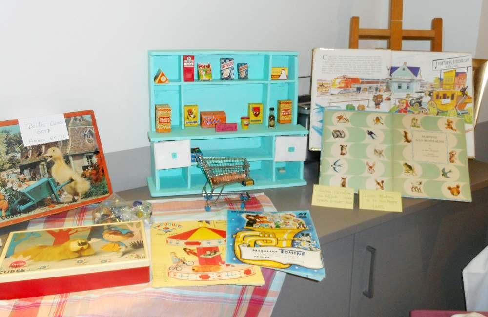 Souvenirs de jouets d'enfance à Espace & Vie Rennes