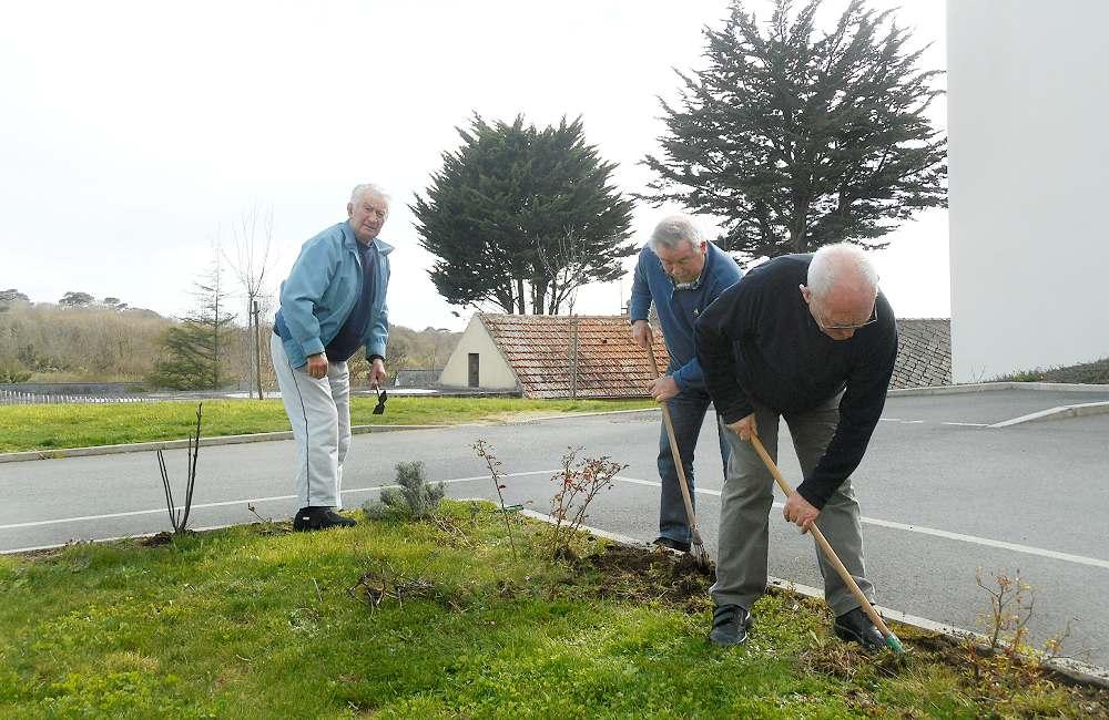 Les résidents d'Espace & Vie Guidel préparent le printemps