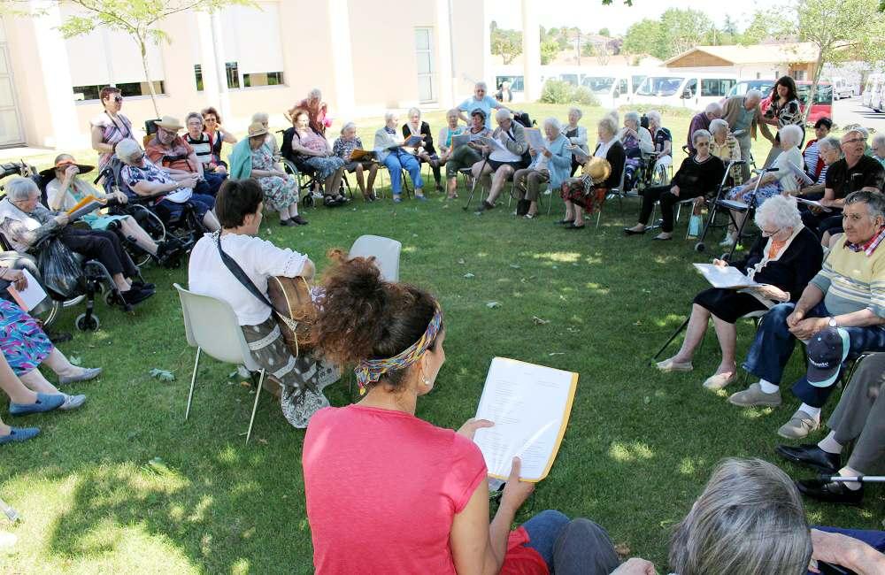 Espace & Vie Niort participe au pique-nique inter-établissements de Pamproux