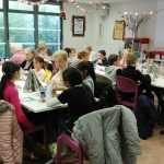 Seniors et écoliers, réunis pour célébrer Noël