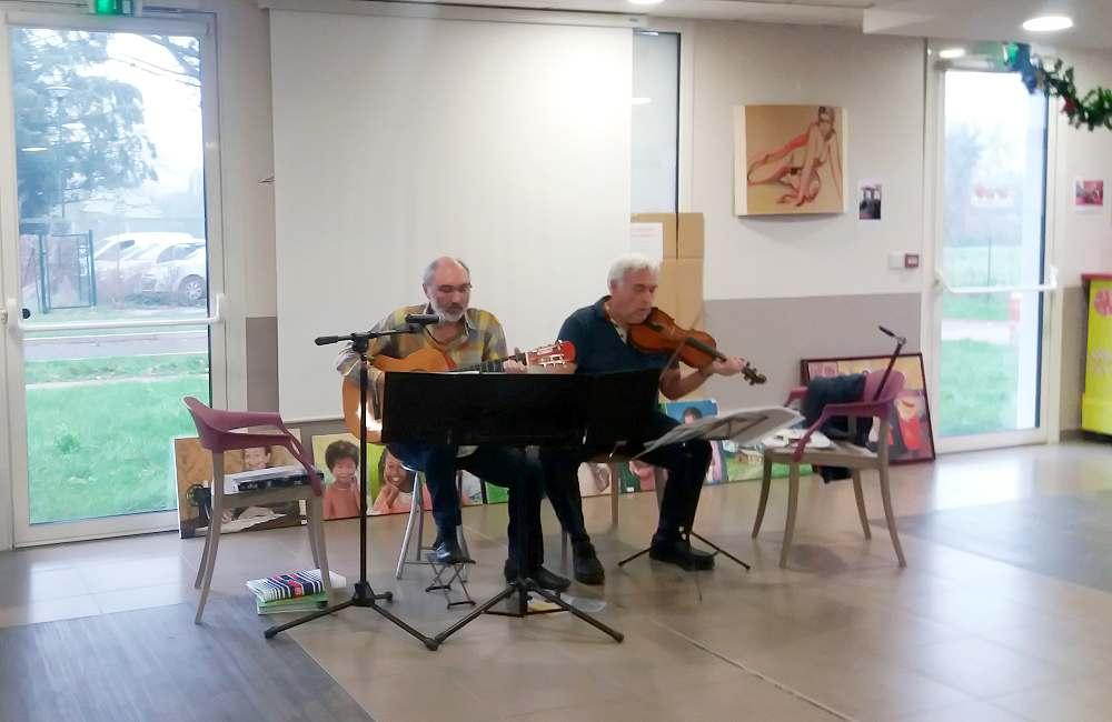 Bel après-midi en chansons à la Bellangerais